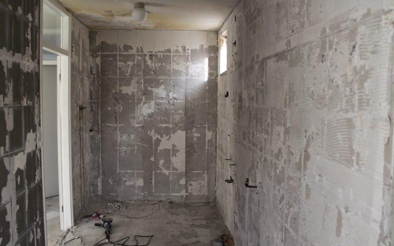 Badkamer slopen sloopkenners for Wat kost een vlizotrap